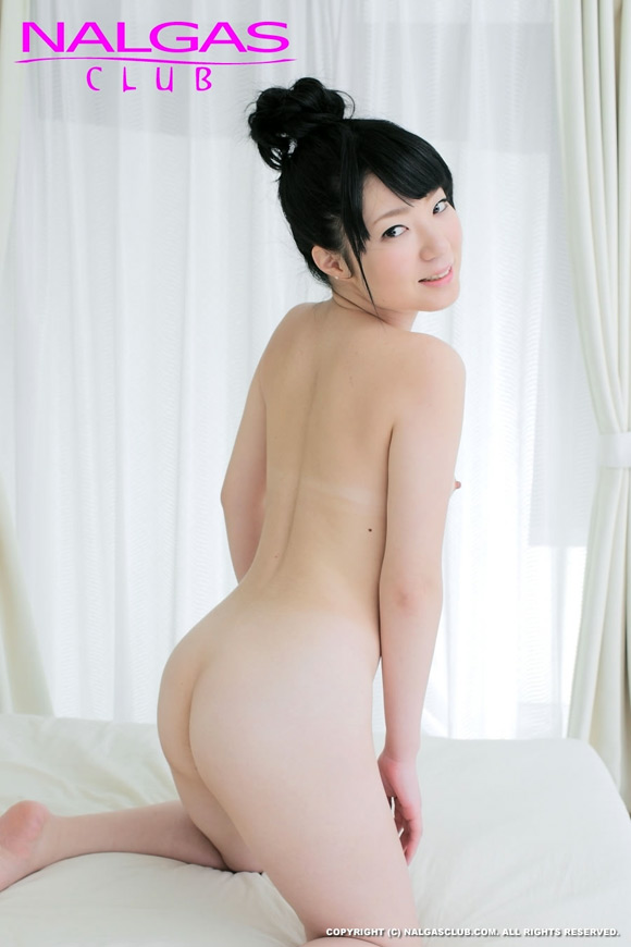 the-hot-naked-japanese-butt-of-rino-matsushima