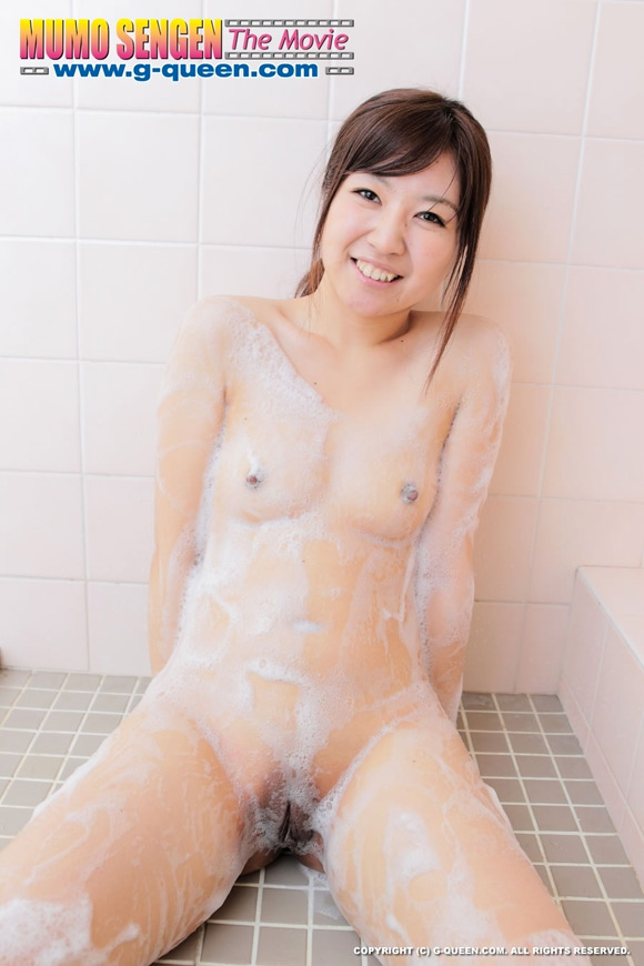 the-shaved-japanese-pussy-of-aina-sawada
