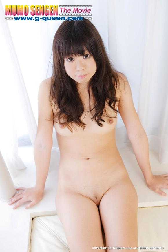 the-shaved-japanese-pussy-of-tomomi-manaka